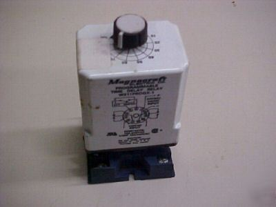 Magnecraft programmable time delay relay W211PROGX-1