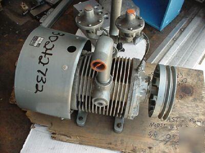 New gast 4565 v6a rotary vane air pump vacuum 47 5cfm for Rotary vane air motor